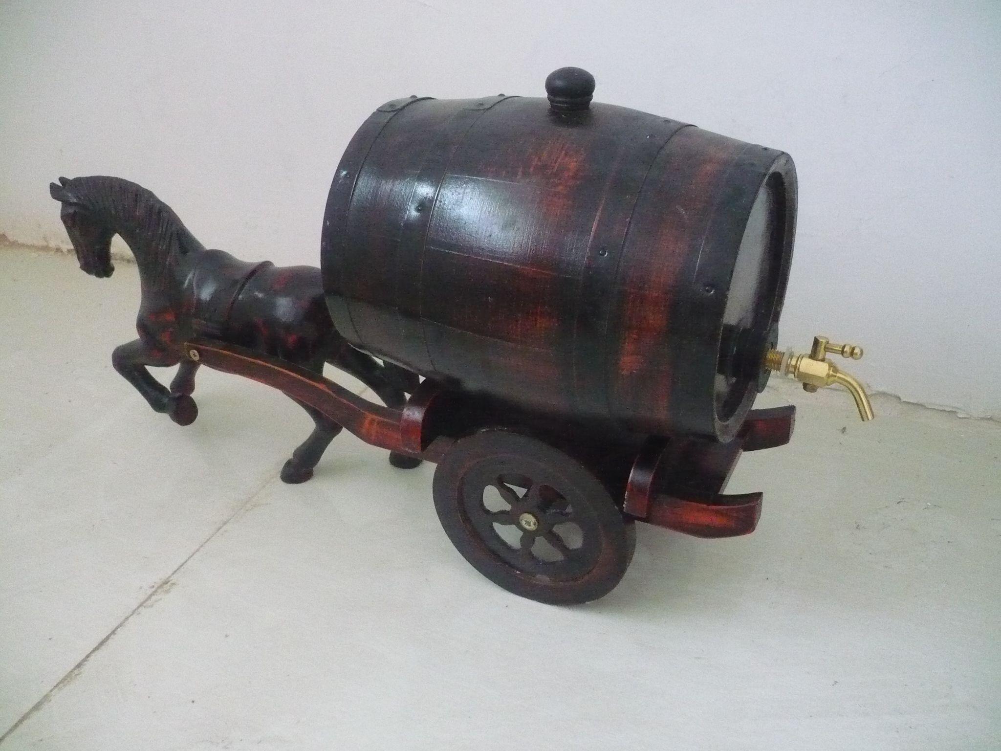 桶装红酒系列; 桶装白酒系列样板; 供应木制酒桶